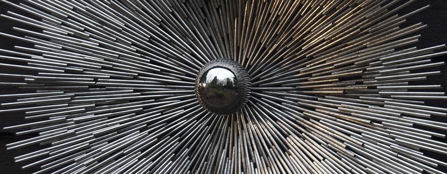 Ondernemen met Bart Lebesque | Puur STaal: Close-up van Impact, een werk van Puur Staal